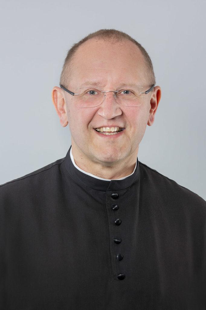 Portraitfoto vom Missio Österreich Geschäftsführer Pater Karl Wallner